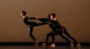 "MERCE CUNNINGHAM DANCE COMPANY / ""NEARLY NINETY 2"" 2009 (Melissa Toogood, Brandon Collwes, Dylan Crossman) Photo by Anna Finke"
