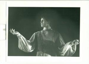Brian Hanna in Mark Franko's Treasure of the City of Women, Montpellier Opera (photo: Véronique Claparède)