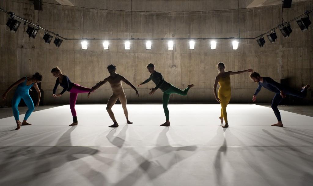 Musée de la danse. Flip Book. 2008. Concept: Boris Charmatz. Performed in 2012 in the Tanks, Tate Modern. Photo: Tate Photography, Gabrielle Fonseca Johnson. © Tate, London, 2013